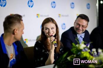 Софи Эллис-Бекстор спела для поклонников гаджетов HP