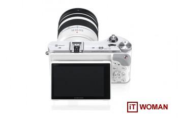 Новый флагман беззеркальных камер Samsung NX300!