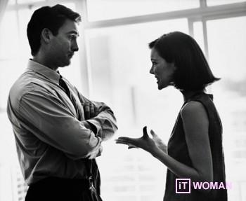 Женщина говорит, мужчина - мучается