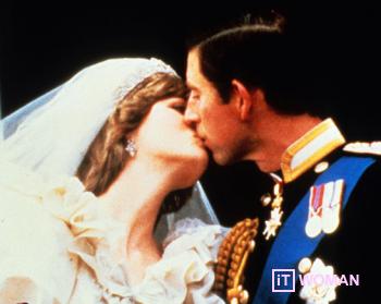 Королевские поцелуи на балконе Букингемского дворца