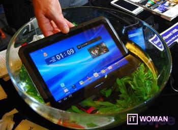 Самые тонкие водонепроницаемые планшет и телефон Fujitsu